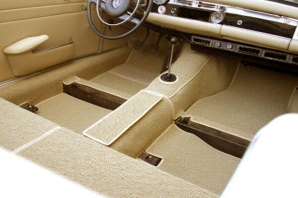 Sablon alapján az Ön által kiválasztott speciális anyagból elkészítjük az autó, hajó vagy kamionfülke szőnyegét.